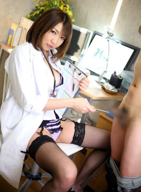 美人女医が淫らな雌になり誘惑するエロ画像110枚の047枚目