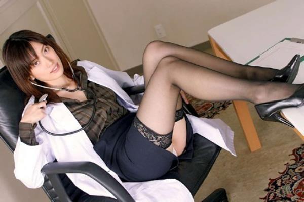 美人女医が淫らな雌になり誘惑するエロ画像110枚の071枚目