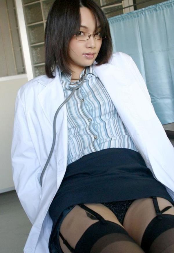 美人女医が淫らな雌になり誘惑するエロ画像110枚の076枚目