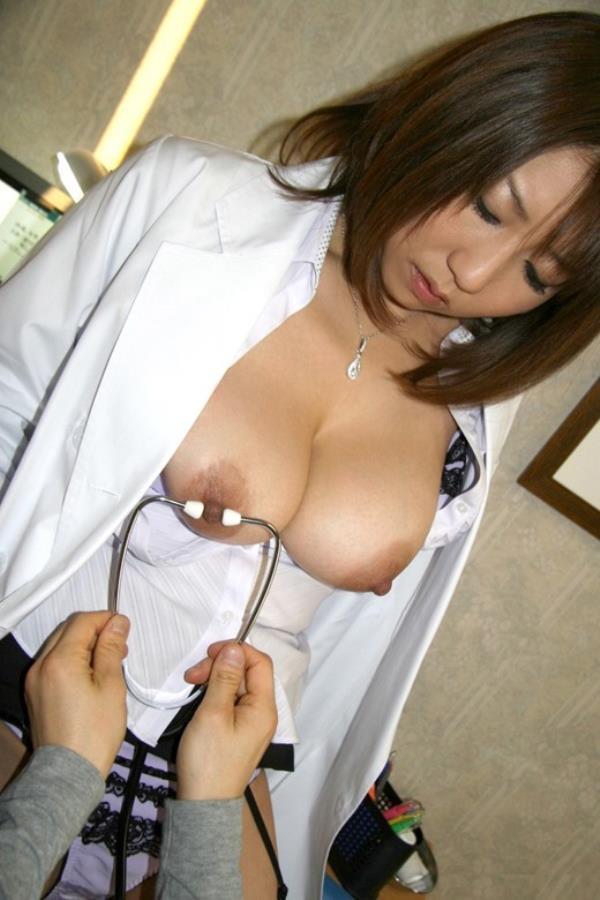 美人女医が淫らな雌になり誘惑するエロ画像110枚の079枚目