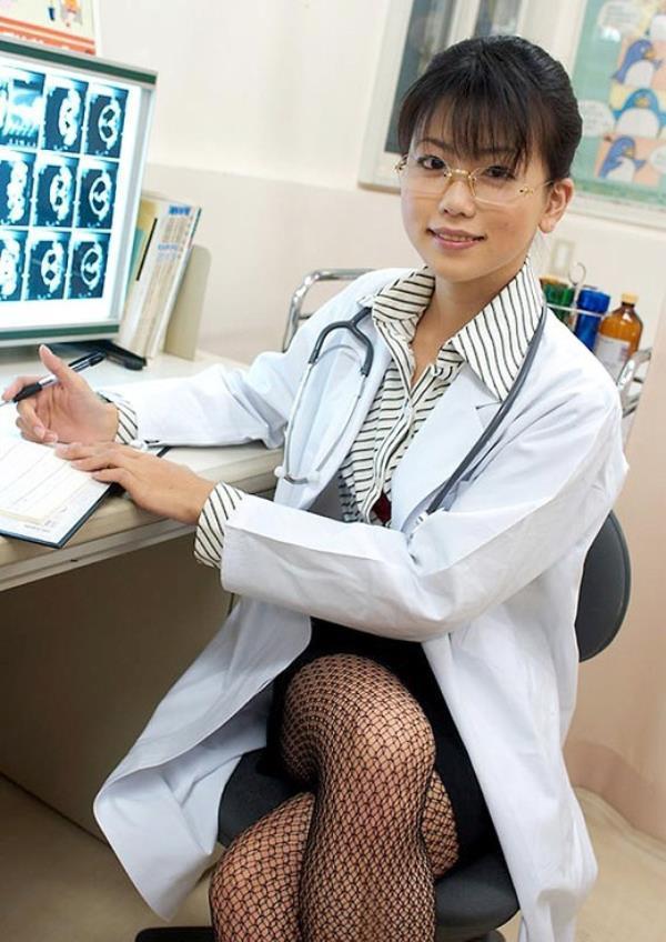 美人女医が淫らな雌になり誘惑するエロ画像110枚の087枚目
