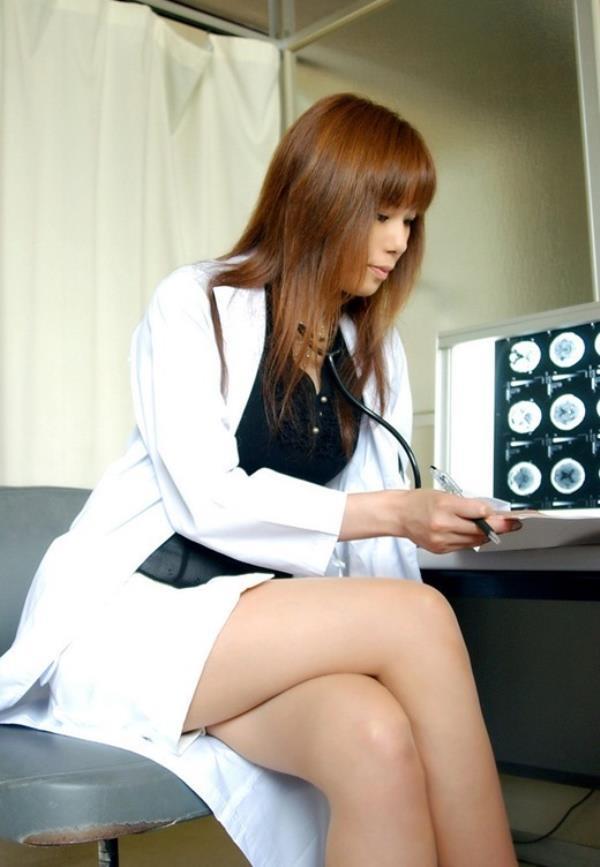 美人女医が淫らな雌になり誘惑するエロ画像110枚の088枚目