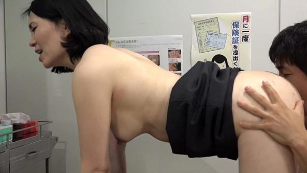 女医のエロ画像 チンコに目がない白衣の痴女67枚のd007枚目