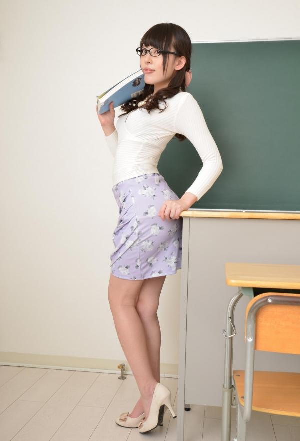 女教師エロ画像 美人先生が教室でHな誘惑90枚の006枚目