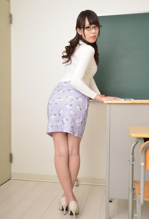女教師エロ画像 美人先生が教室でHな誘惑90枚の007枚目