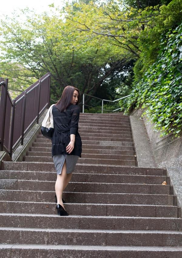 内田美奈子 豊満な巨乳熟女セックス画像100枚の002枚目