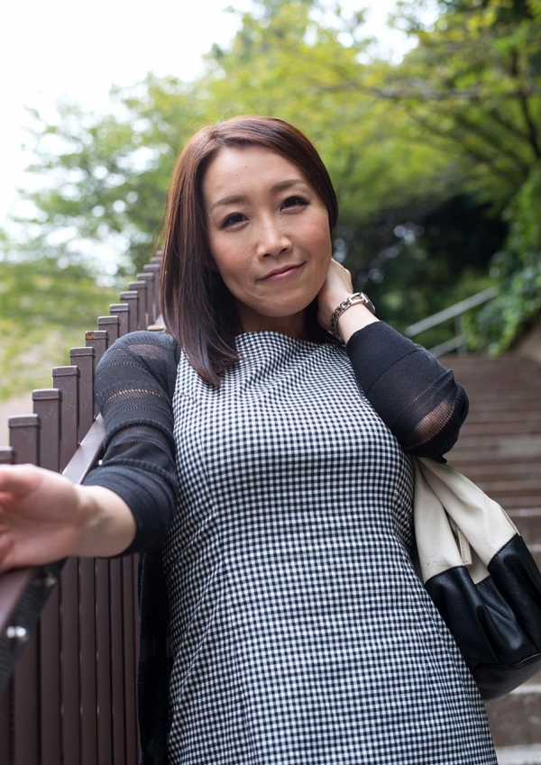 内田美奈子 豊満な巨乳熟女セックス画像100枚の005枚目