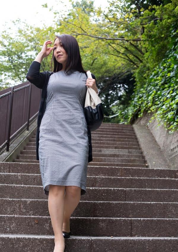 内田美奈子 豊満な巨乳熟女セックス画像100枚の006枚目