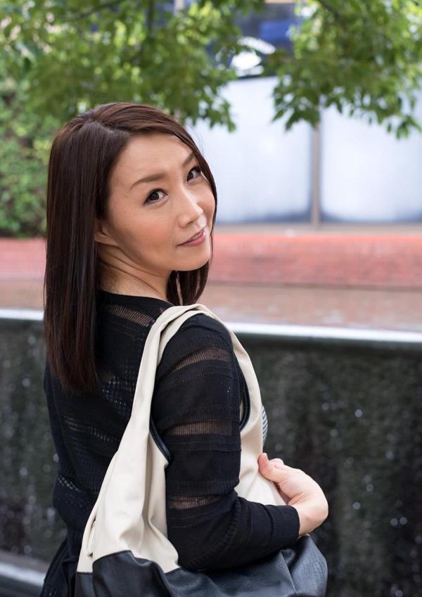 内田美奈子 豊満な巨乳熟女セックス画像100枚の010枚目