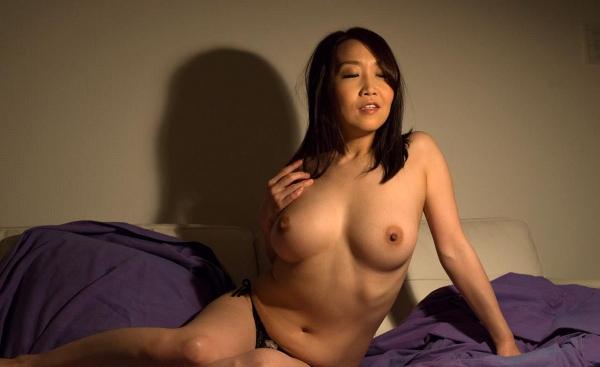 内田美奈子 豊満な巨乳熟女セックス画像100枚の016枚目