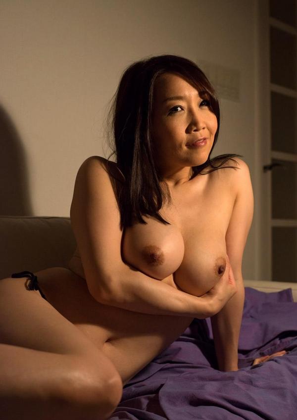内田美奈子 豊満な巨乳熟女セックス画像100枚の017枚目