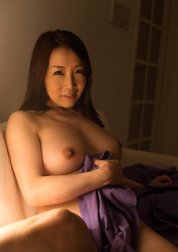 内田美奈子 豊満な巨乳熟女セックス画像100枚の022枚目