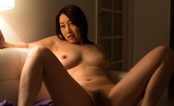 内田美奈子 豊満な巨乳熟女セックス画像100枚の031枚目
