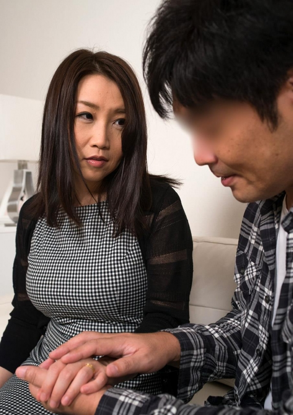 内田美奈子 豊満な巨乳熟女セックス画像100枚の035枚目