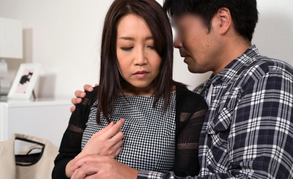 内田美奈子 豊満な巨乳熟女セックス画像100枚の037枚目