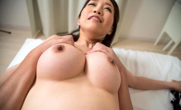内田美奈子 豊満な巨乳熟女セックス画像100枚の083枚目