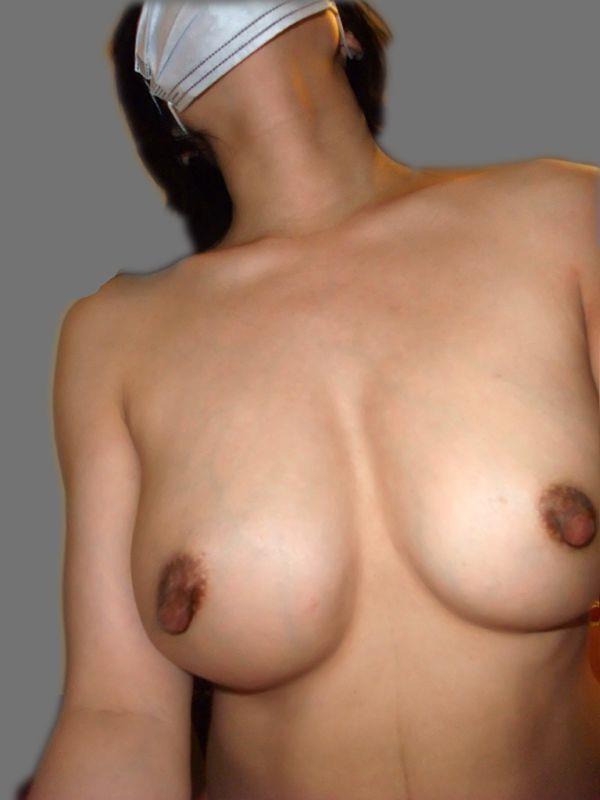熟女の勃起乳首がデカくて無性にエロい画像85枚の10枚目
