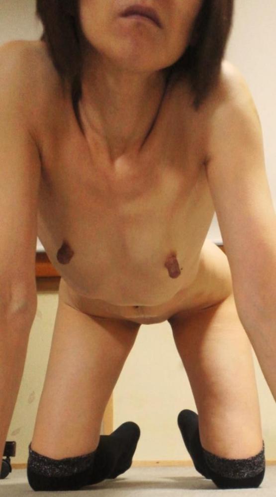 熟女の勃起乳首がデカくて無性にエロい画像85枚の32枚目