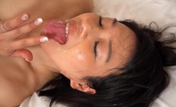 熟女の体に精液をドクドクぶっかけてる射精画像45枚の35枚目