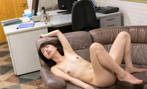 加藤ツバキ 三十路の細身妻 熟女のセックス画像110枚の110枚目
