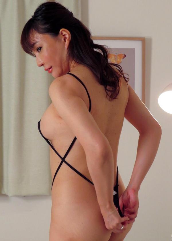 熟女エロ画像 四十路の巨乳妻のセックス春花No2の045枚目