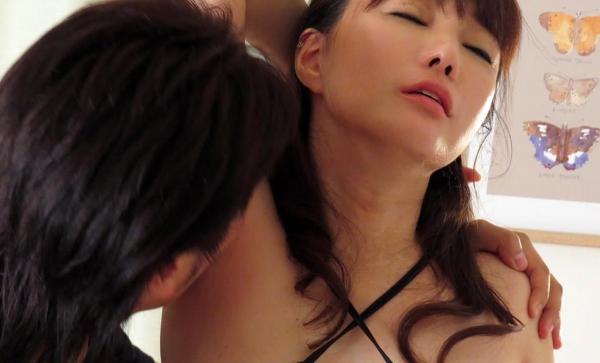 熟女エロ画像 四十路の巨乳妻のセックス春花No2の061枚目