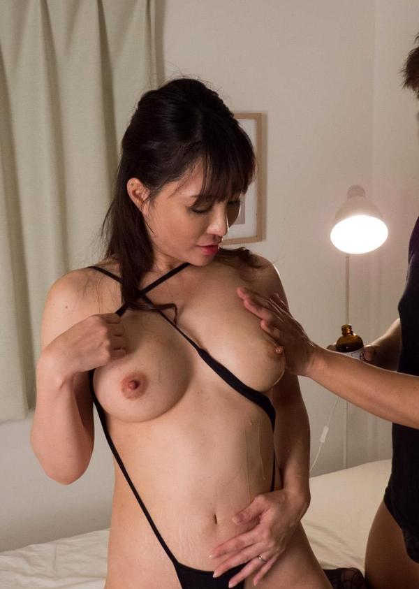 熟女エロ画像 四十路の巨乳妻のセックス春花No2の2