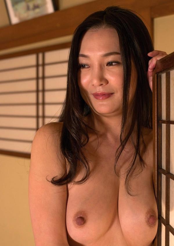 熟女エロ画像 欲求不満の四十路人妻美麗110枚の014枚目