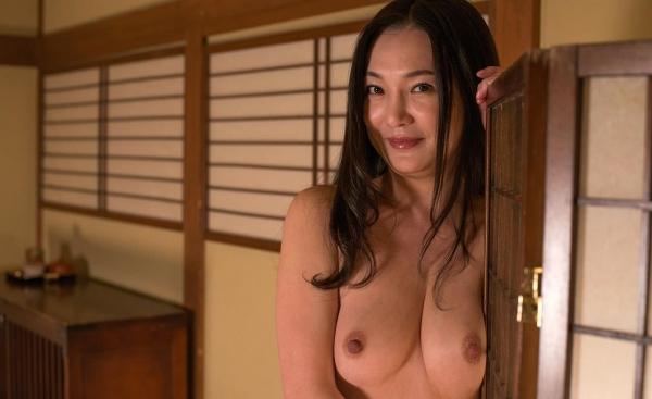 熟女エロ画像 欲求不満の四十路人妻美麗110枚の016枚目