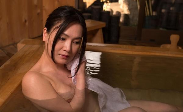 熟女エロ画像 欲求不満の四十路人妻美麗110枚の021枚目