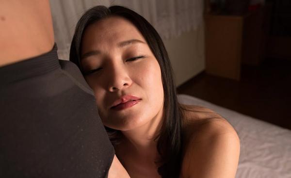 熟女エロ画像 欲求不満の四十路人妻美麗110枚の093枚目