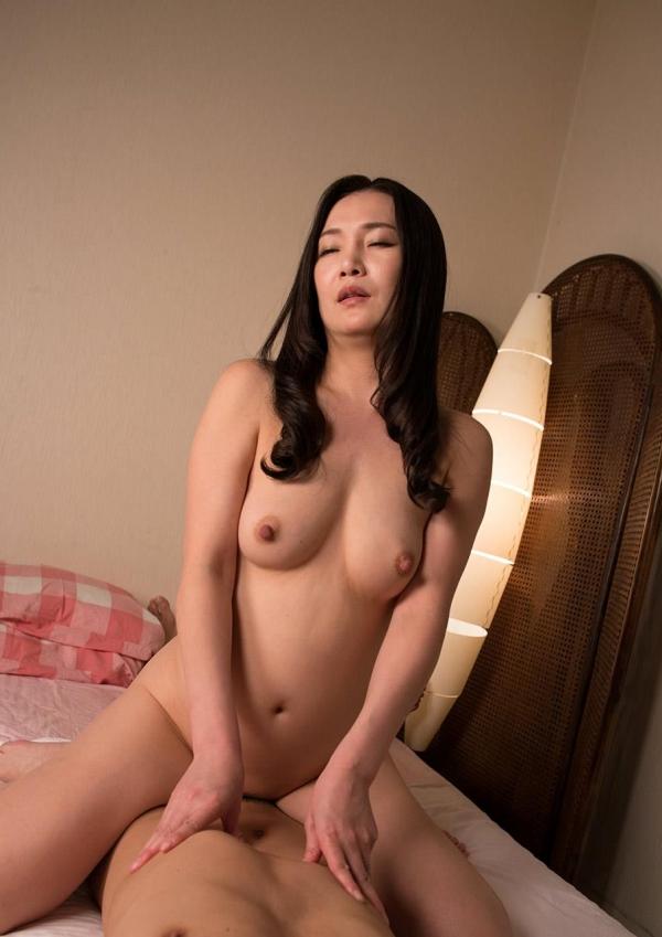 熟女エロ画像 欲求不満の四十路人妻美麗110枚の099枚目