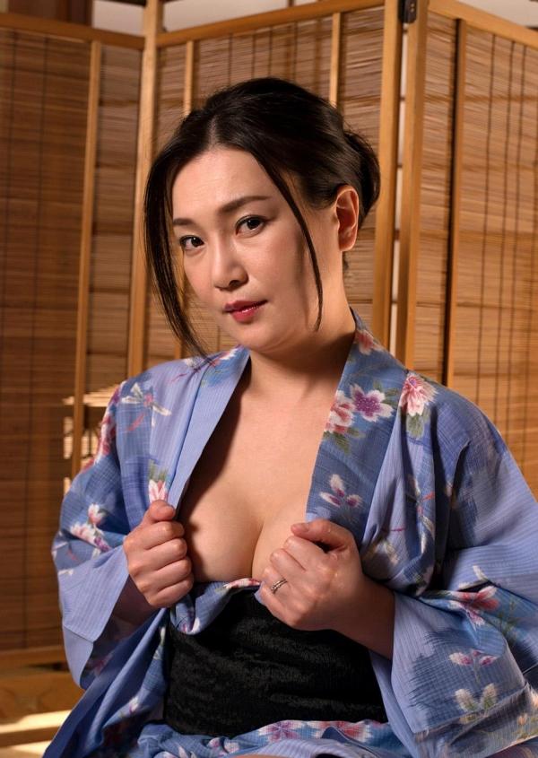 熟女セックス画像 浴衣の妖艶な四十路妻美麗の05枚目