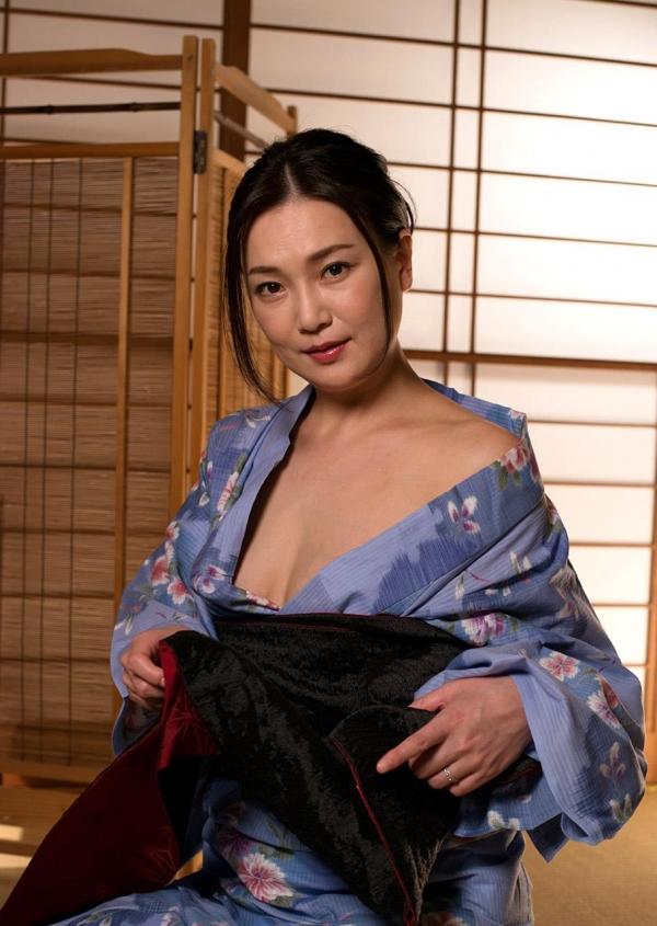 熟女セックス画像 浴衣の妖艶な四十路妻美麗の09枚目
