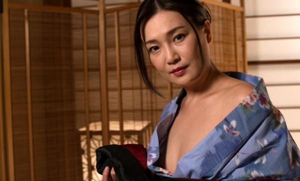 熟女セックス画像 浴衣の妖艶な四十路妻美麗の11枚目