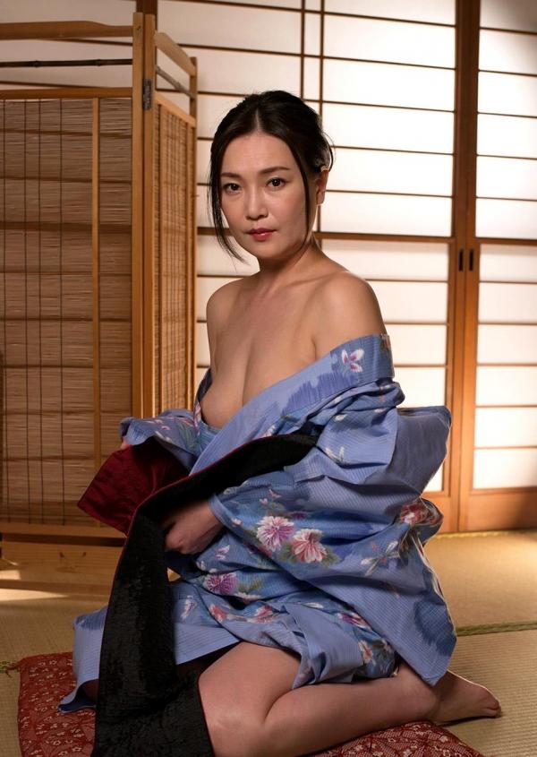 熟女セックス画像 浴衣の妖艶な四十路妻美麗の13枚目