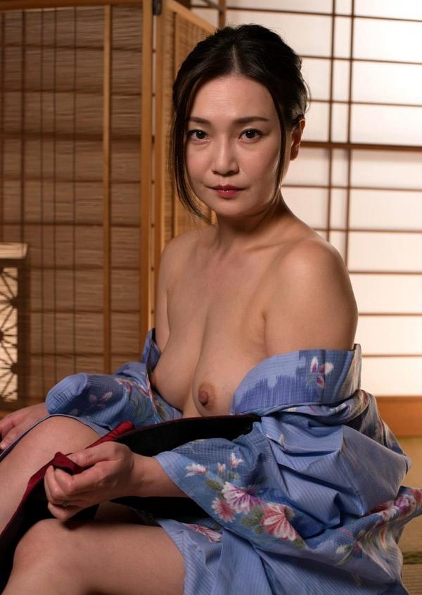 熟女セックス画像 浴衣の妖艶な四十路妻美麗の14枚目