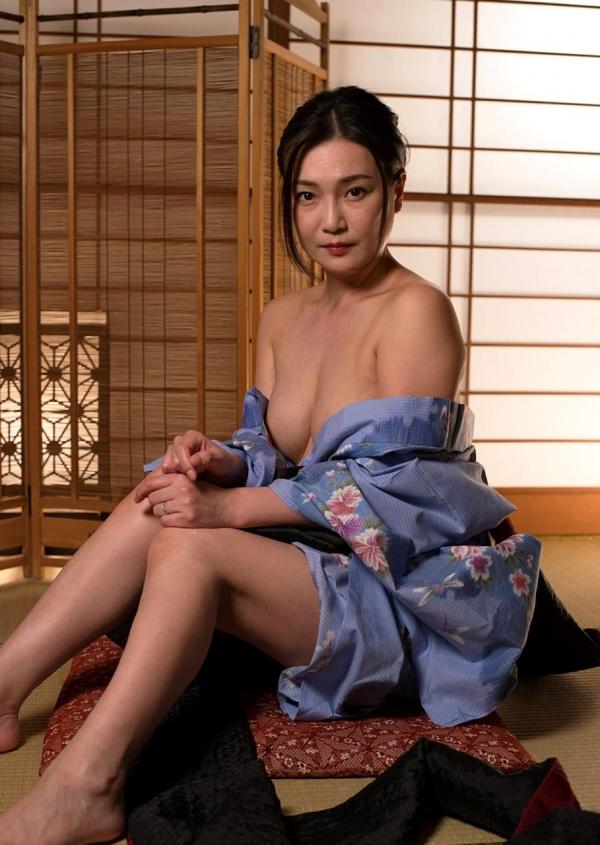 熟女セックス画像 浴衣の妖艶な四十路妻美麗の16枚目