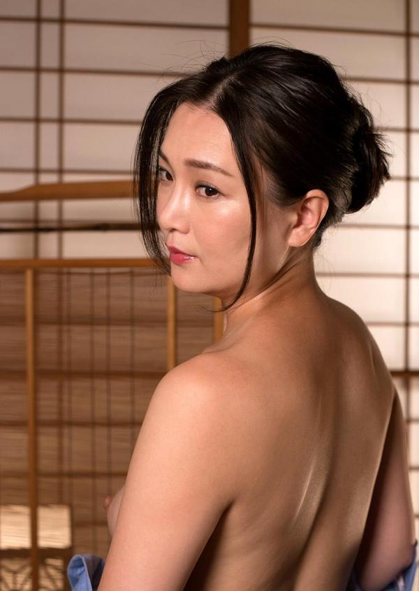 熟女セックス画像 浴衣の妖艶な四十路妻美麗の19枚目
