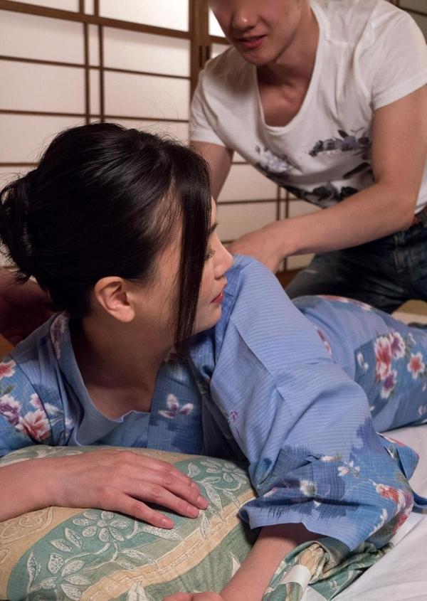 熟女セックス画像 浴衣の妖艶な四十路妻美麗の30枚目
