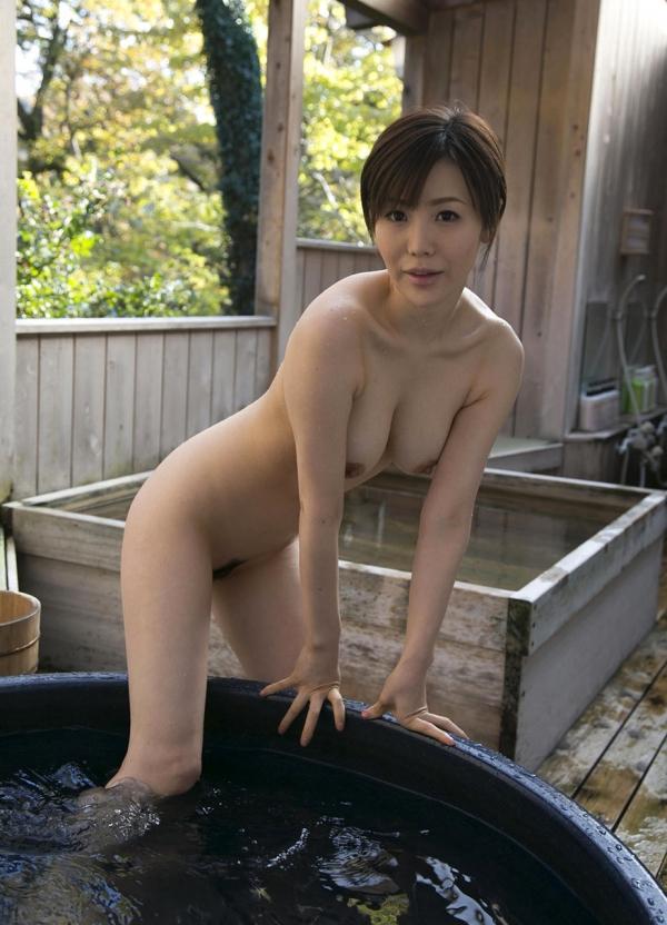 熟女系AV女優 妖艶美女の全裸ヌード画像120枚の060枚目