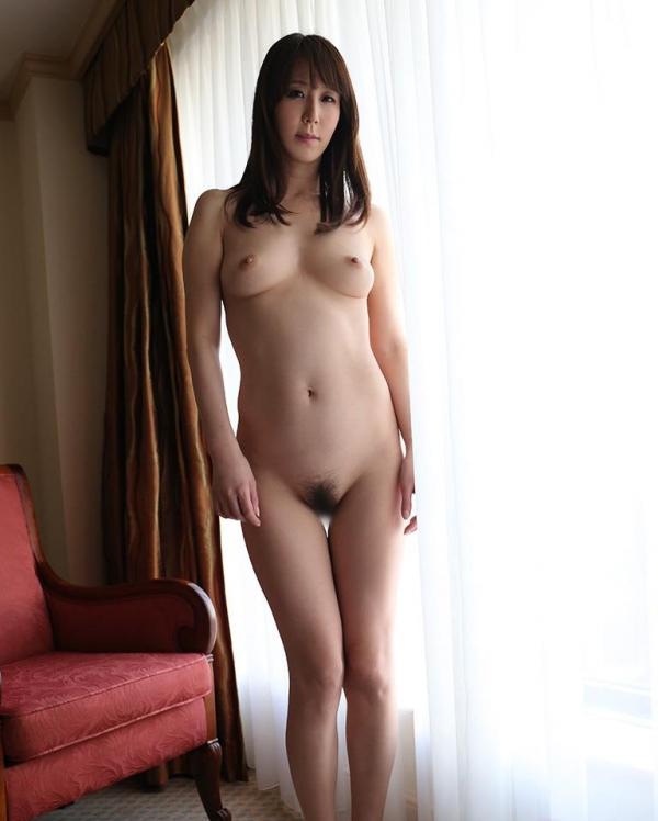 熟女系AV女優 妖艶美女の全裸ヌード画像120枚の097枚目