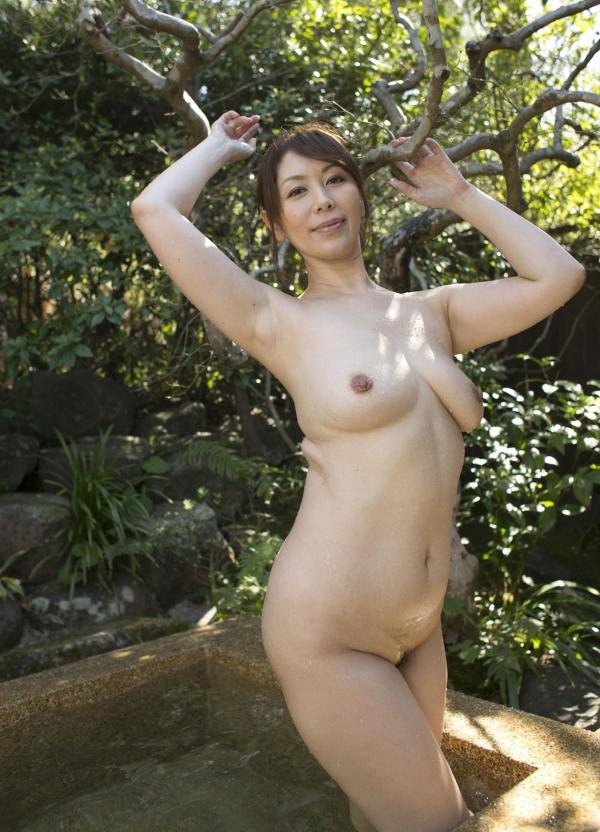 熟女系AV女優 妖艶美女の全裸ヌード画像120枚の110枚目
