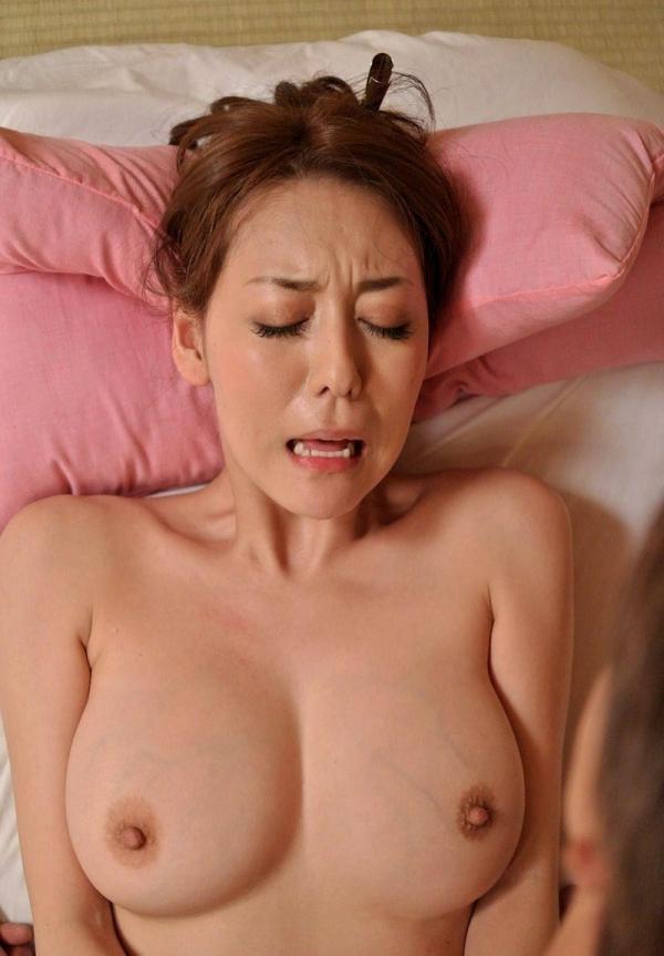 熟女のおっぱい画像 柔らかそうな完熟した乳房40枚の004枚目
