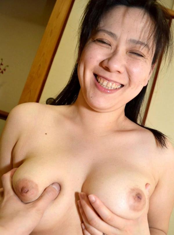 熟女のおっぱい画像 柔らかそうな完熟した乳房40枚の020枚目