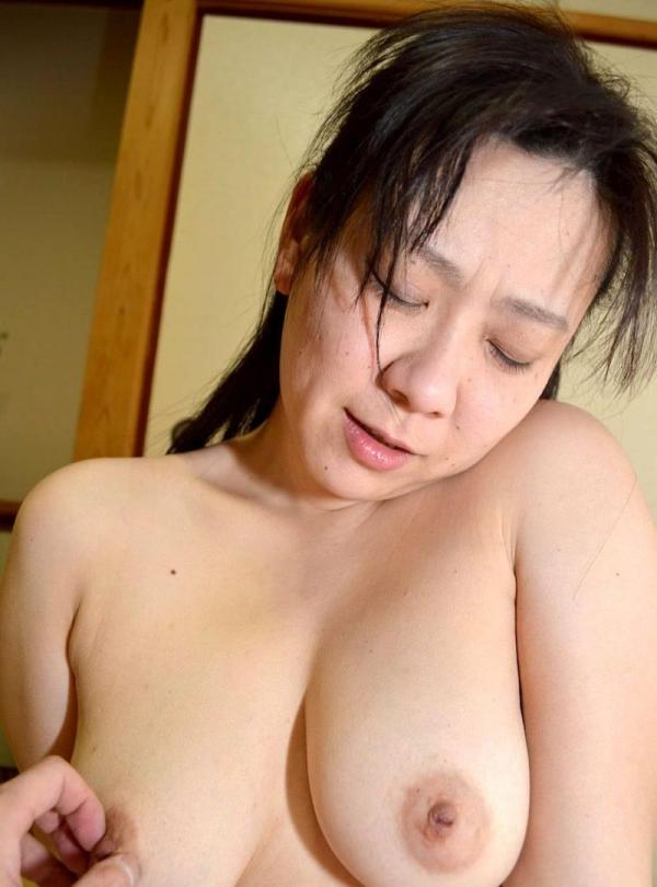 熟女のおっぱい画像 柔らかそうな完熟した乳房40枚の021枚目