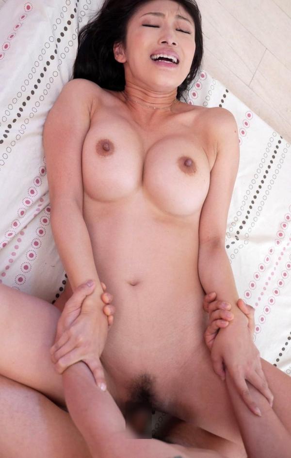 熟女のおっぱい画像 柔らかそうな完熟した乳房40枚の031枚目
