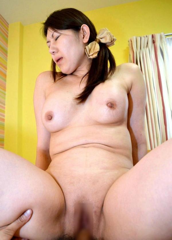 熟女のおっぱい画像 柔らかそうな完熟した乳房40枚の035枚目