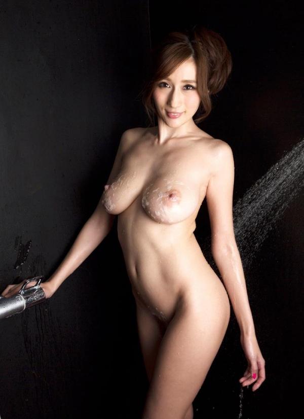 JULIA(ジュリア)さんのシャワータイム 入浴中のエロ画像61枚のb004枚目