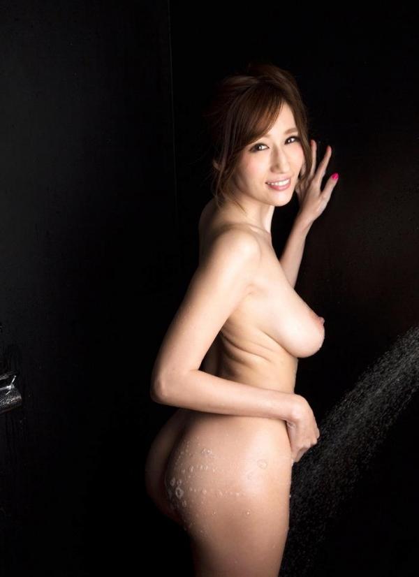 JULIA(ジュリア)さんのシャワータイム 入浴中のエロ画像61枚のb005枚目